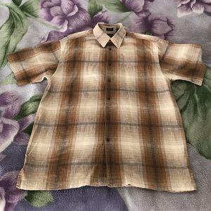 Casual short sleeve button down shirt from Arrow